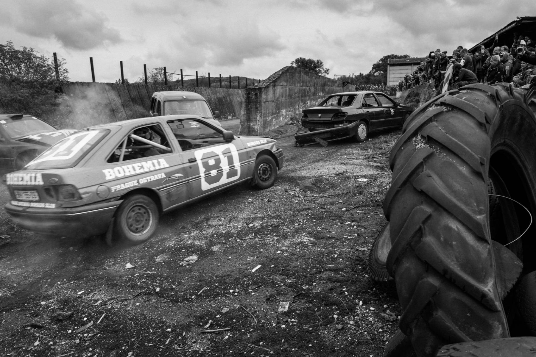 kevin_v_ton_Crash-Cars_10