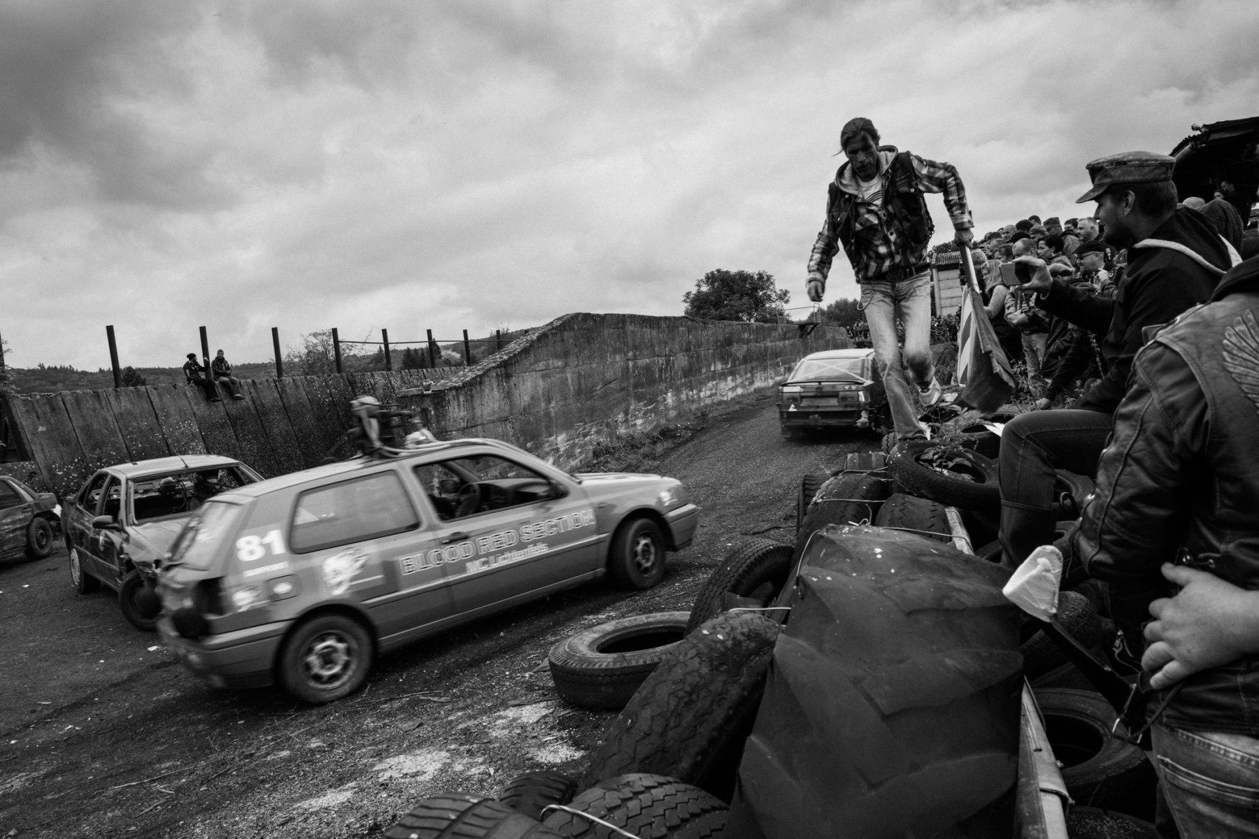 kevin_v_ton_Crash-Cars_11