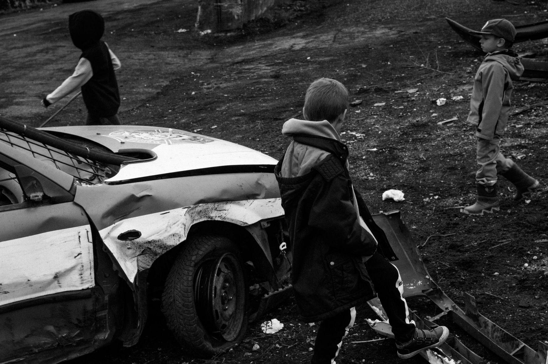 kevin_v_ton_Crash-Cars_13